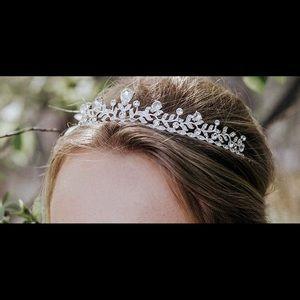 Accessories - Crystal bridal tiara crown